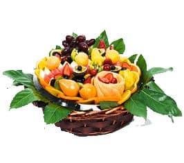 סלסלת פירות – לפנק את האורחים ואת בני הבית